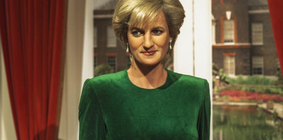 Sale a la venta juego de joyas de la princesa Diana
