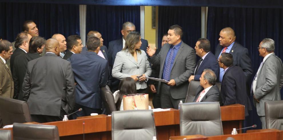 Foro Pro Reformas y el FAD piden veto al proyecto electoral