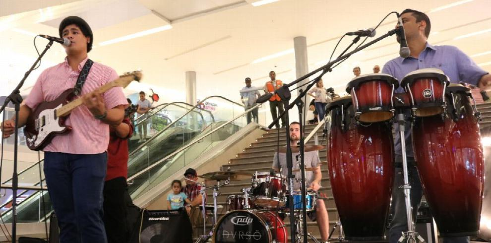 La música llega al centro comercial