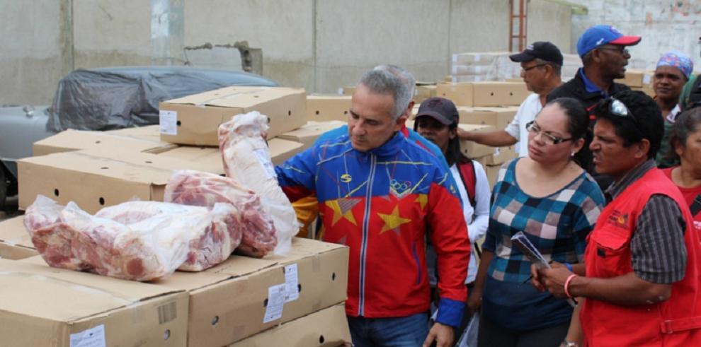 Gobierno venezolano dice ahora que Colombia retiene 2.200 toneladas de pernil