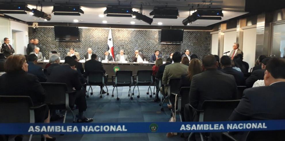 Comisión de Credenciales abre segundo día de participación pública
