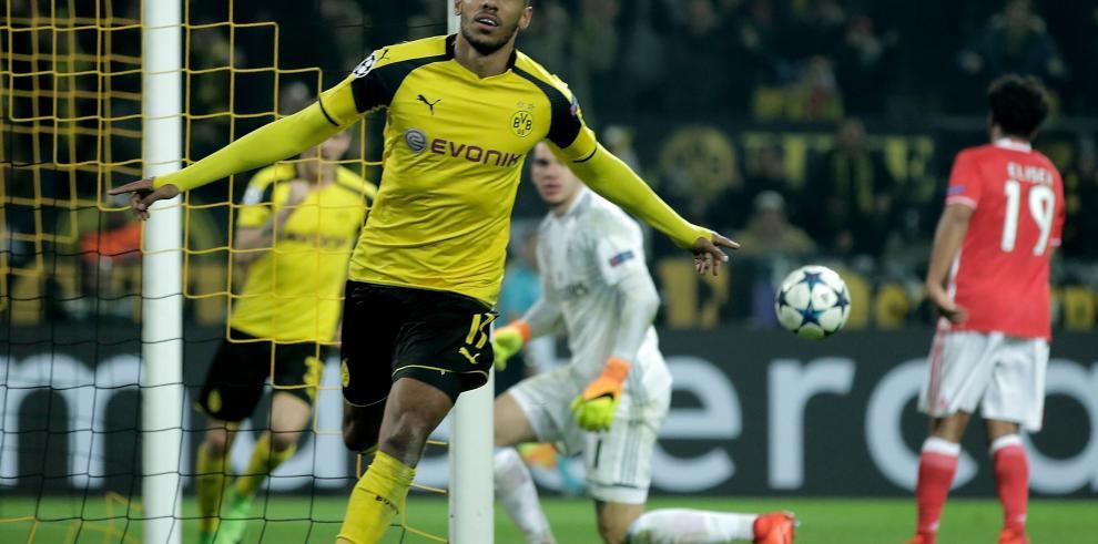 El Dortmund se mete en cuarto con triple de Aubameyang