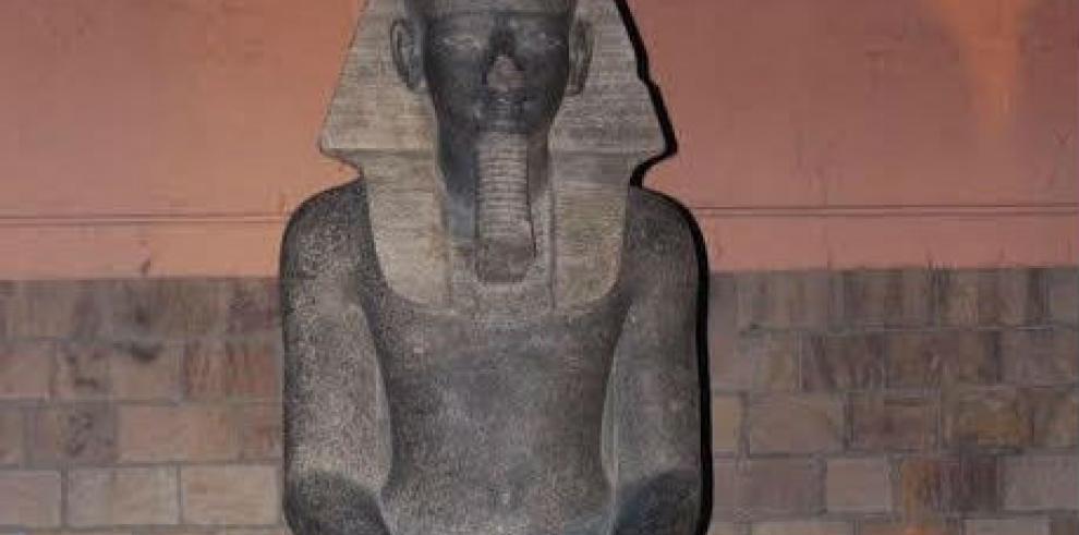 Hallan 66 estatuas de la diosa faraónica de la guerra