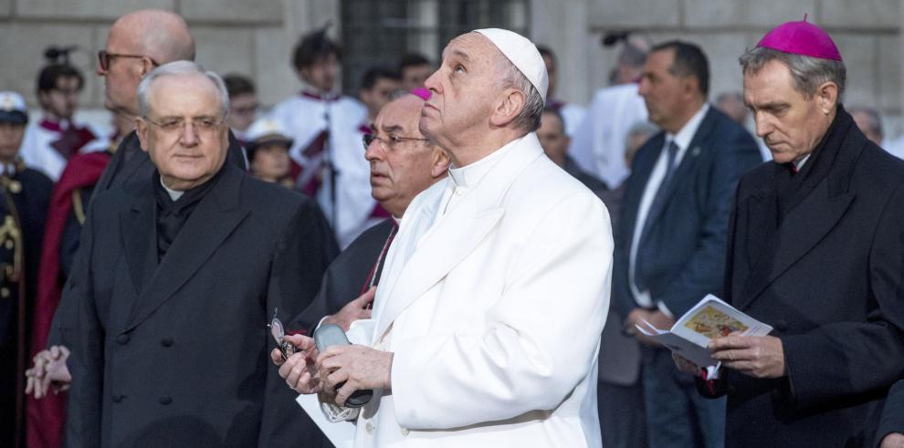 El papa pide en Roma