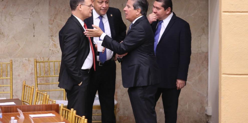 Tensión entre las bancadas por la elección de magistrado del TE