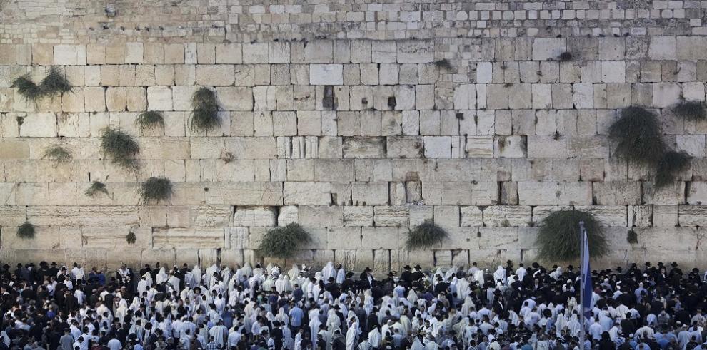 Judíos lloran en el Muro de las Lamentaciones el duelo de Tisha BeAv