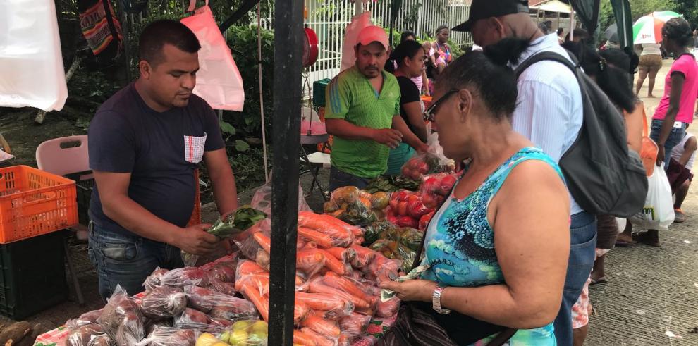 Alcaldía de San Miguelito realizó feria con precios económicos