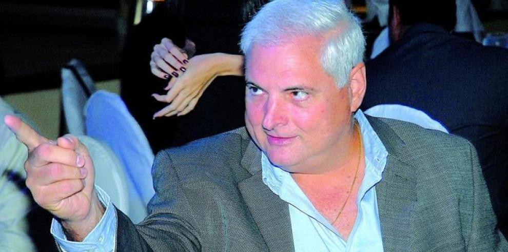 Martinelli pide votos para derrotar la 'persecución' del gobierno nacional