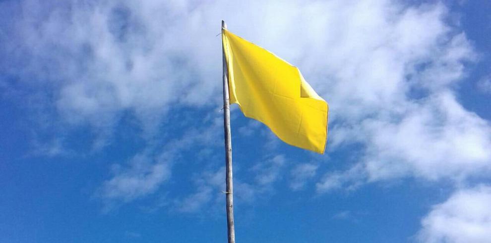 Colocan bandera amarilla en playa La Barqueta en Chiriquí