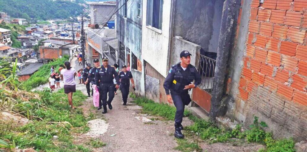 Cancelan vacaciones de 2 mil policías por operativo de fin de año en Río