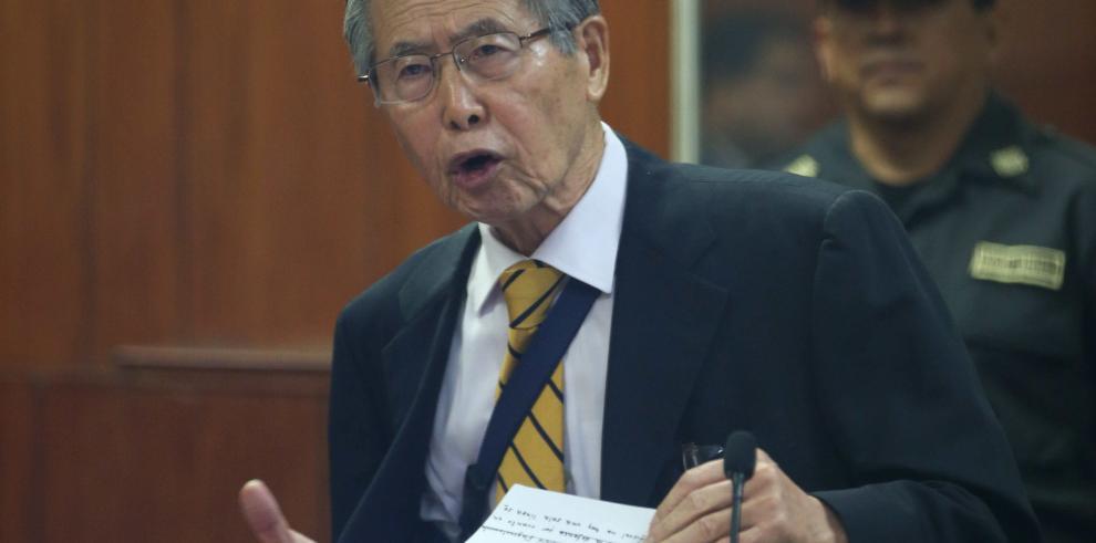 Oposición peruana llama traidor a Kuczynski por indultar a Fujimori