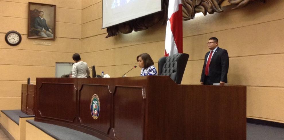 Asamblea Nacional muestra su preocupación por 'La Estrella' y 'El Siglo'