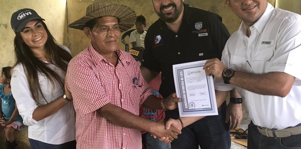 BHN y Miviot asignan 460 lotes en comunidades de Bocas del Toro