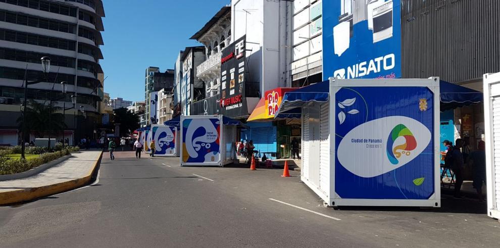 Polémica por doce cubículos en la entrada de La Peatonal