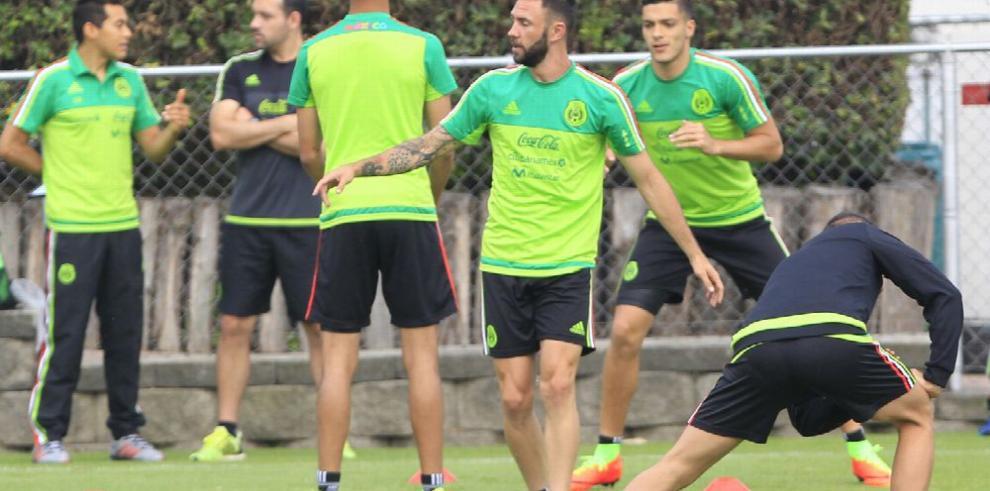 México convocó a 25 jugadores para defender la Copa Oro