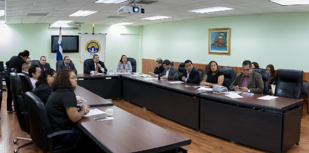 MP se acerca a periodistas para divulgar proyecto de 'cibercrimen'