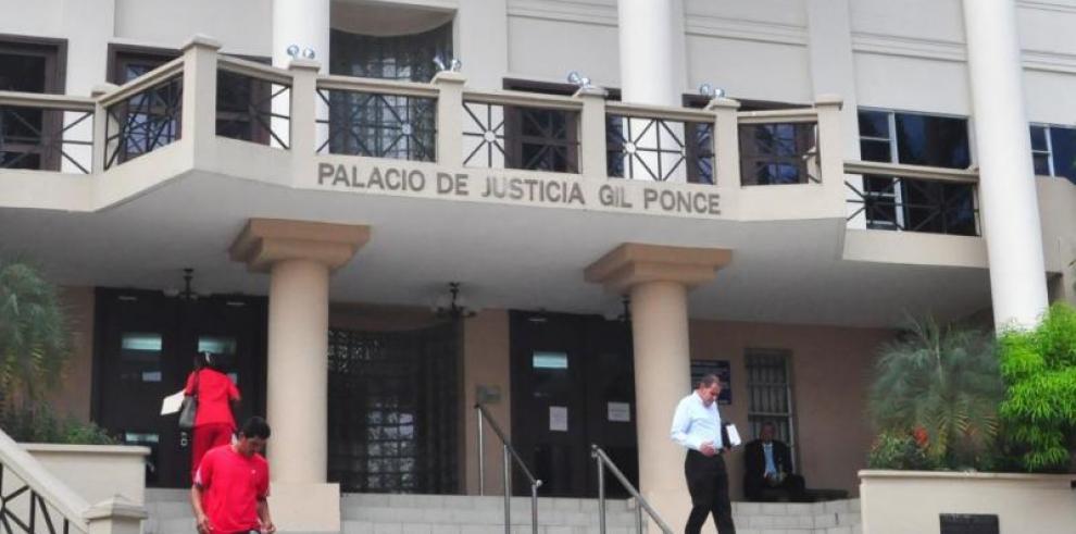 Moore y Tovar de Zarak, las magistradas designadas por el Ejecutivo