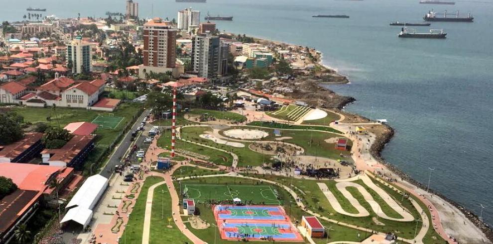 Gobierno entrega primera fase del Paseo Marino de Colón