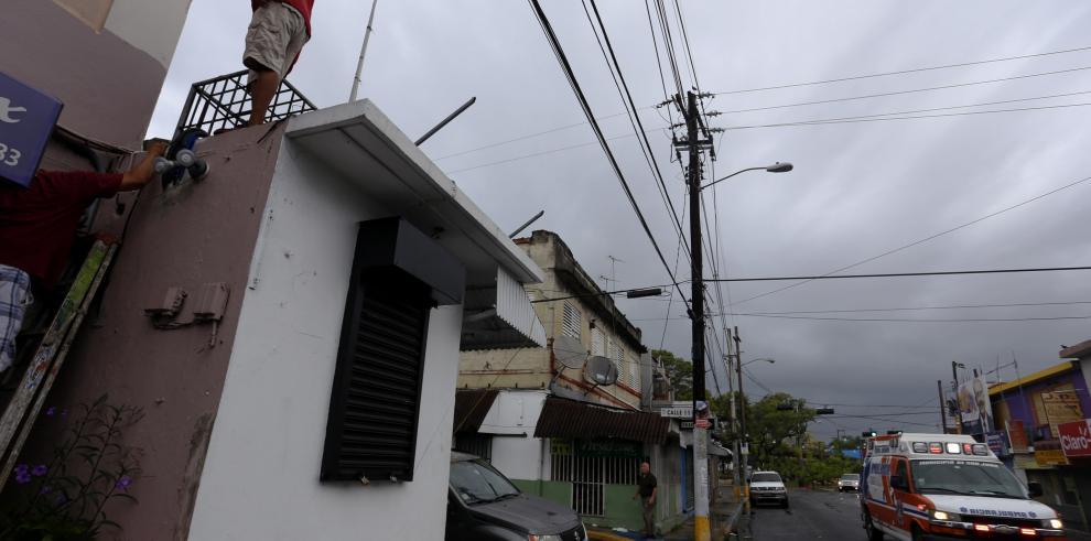 Irma no cede y llegará a Puerto Rico como el mayor huracán del Atlántico