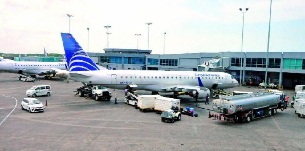 Cuatro multinacionales, interesadas en suministro de combustible de aeropuertos presentan propuestas