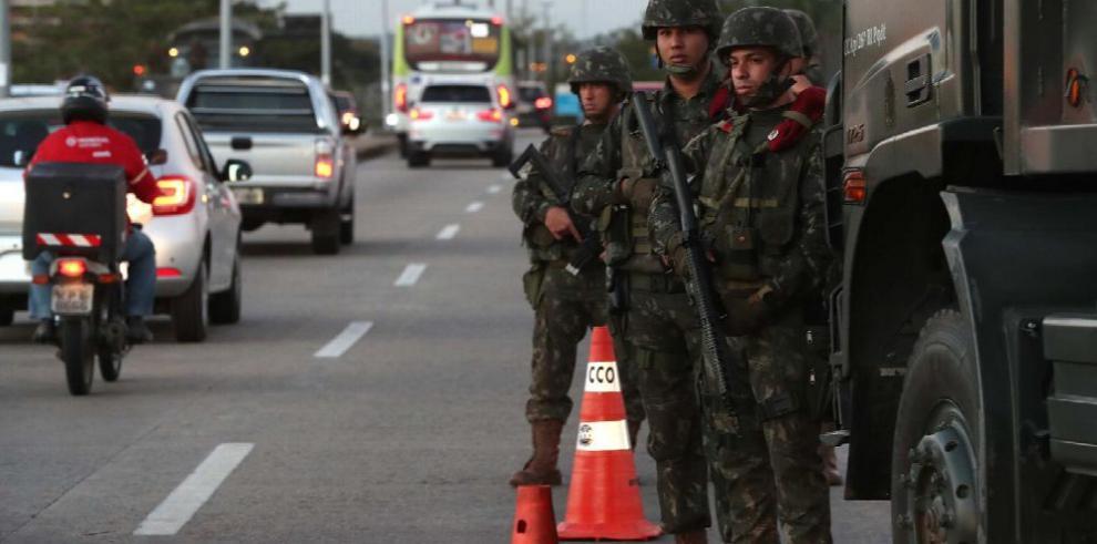 Temer militariza Río de Janeiro