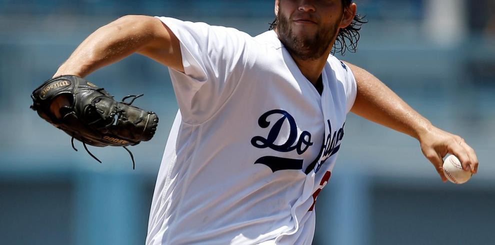 Los Dodgers pierden a Clayton Kershaw, lesionado, por mes y medio