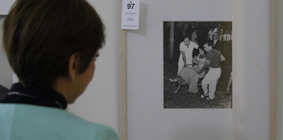 Subastarán fotografía de la boda de Liz Taylor en Acapulco