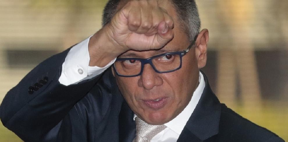 Incertidumbre política en Ecuador ante negativa de vicepresidente a renunciar
