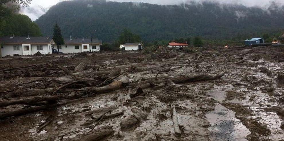 Aumentan a tres los muertos y a quince los desaparecidos tras alud en Chile