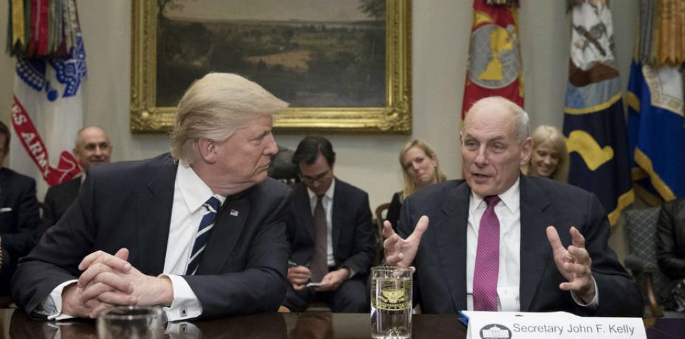 Trump nombra a general John Kelly como su nuevo jefe de gabinete