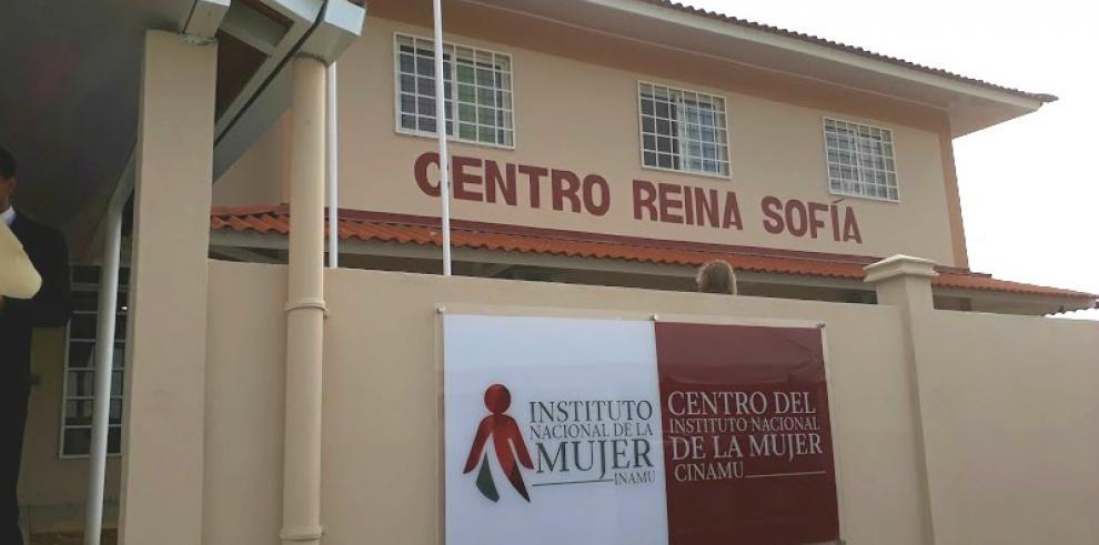 Centro Integral de Apoyo a la Mujer en Colón reabre sus puertas