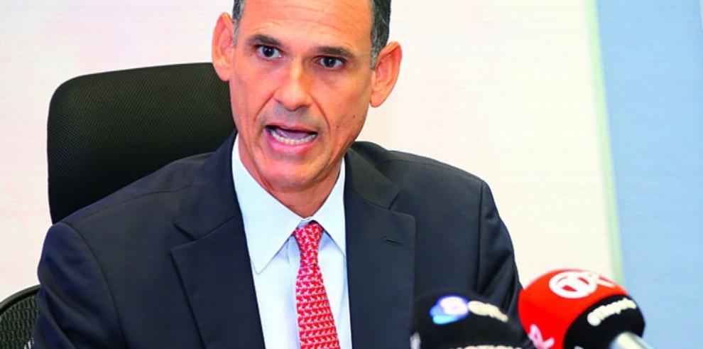 Barnes deja ENA para regresar al sector privado