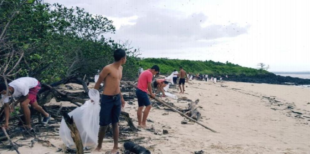 Isla Iguana, un refugio silvestre también contaminado por la basura