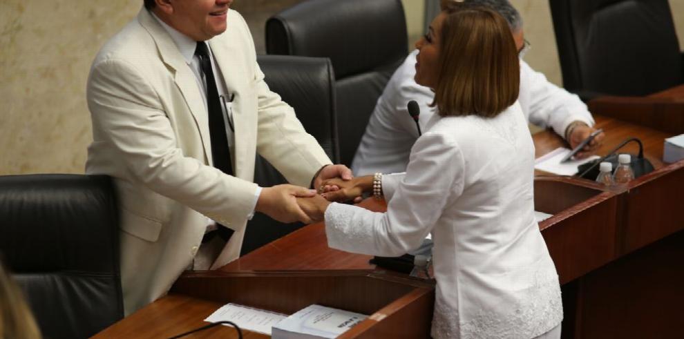 Directorio Nacional del PRD decide hoy futuro de 'disidentes'