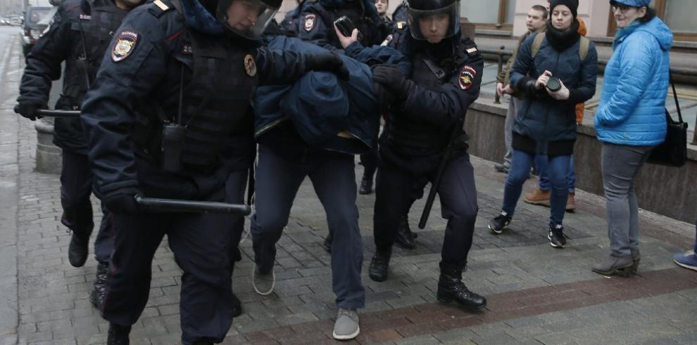 Decenas de detenidos en Moscú durante una protesta no autorizada