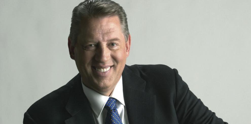 Gobernación de Panamá declara Huésped Distinguido a John C. Maxwell