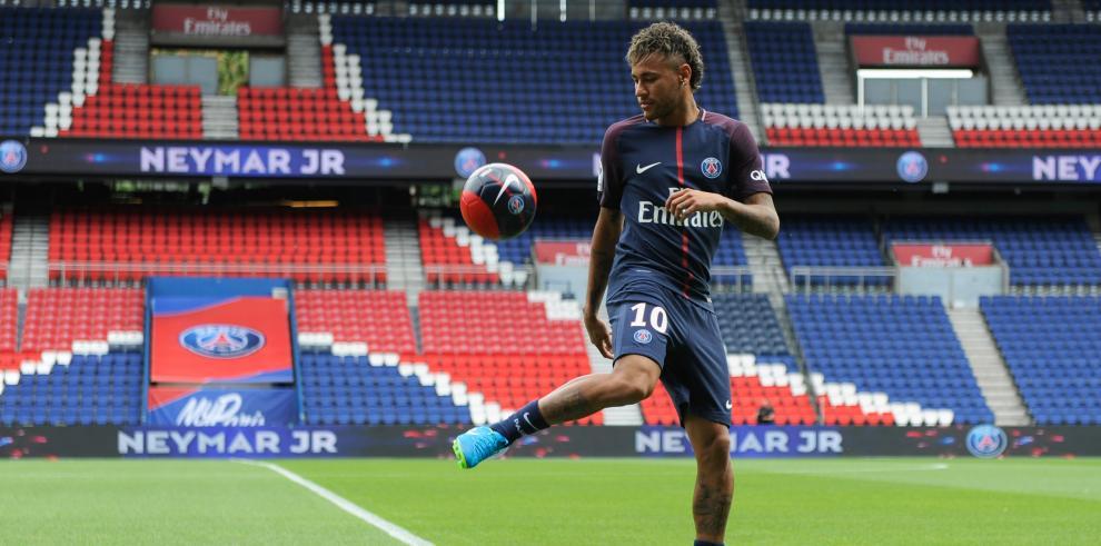 Neymar podría denunciar al Barça ante la FIFA, según 'Globoesporte'