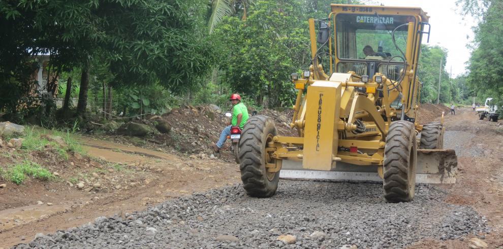 Preparan licitación para rehabilitar calles y caminos en David
