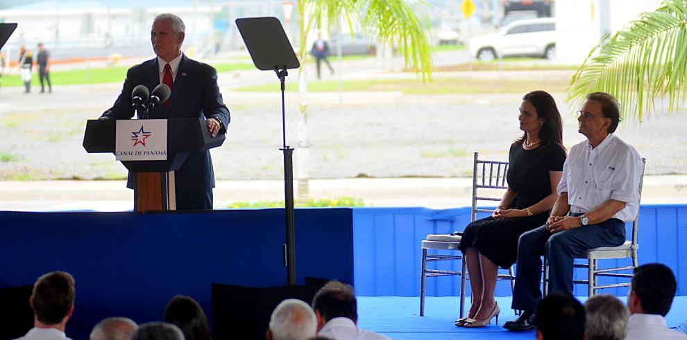 'EEUU tiene muchas opciones para Venezuela, ... pero necesita apoyo', Pence