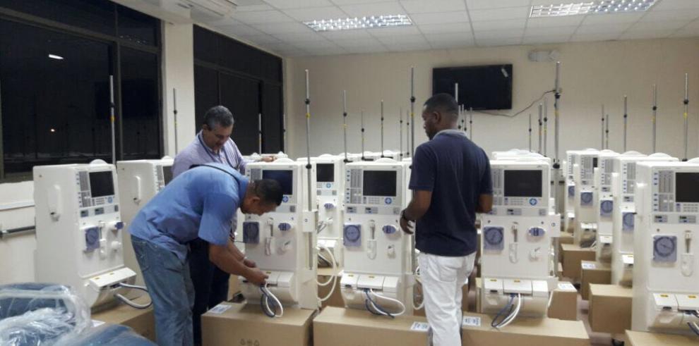 CSS instala nuevas maquinas de hemodiálisis en el Hospital Santo Tomás