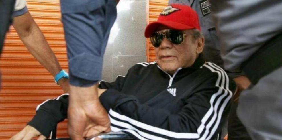 Noriega será operado el martes para extirparle un tumor en la cabeza