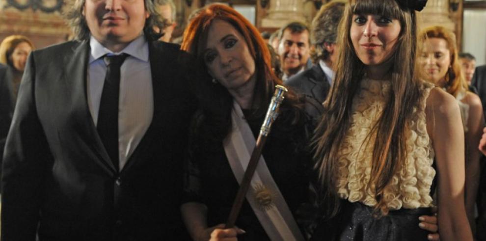 Hijos de Cristina de Kirchner acuden a declarar ante el juez