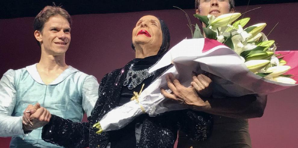Alicia Alonso recibe título de 'Visitante Ilustre de Segovia'