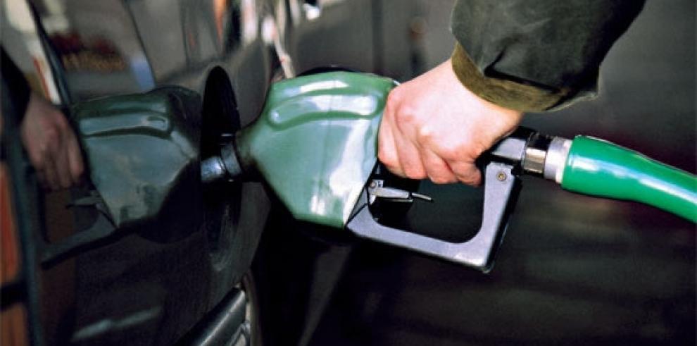 Precio de los combustibles sube este viernes en Panamá