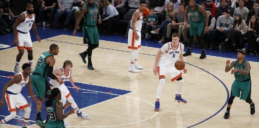 Celtics ganan en casa y siguen liderando