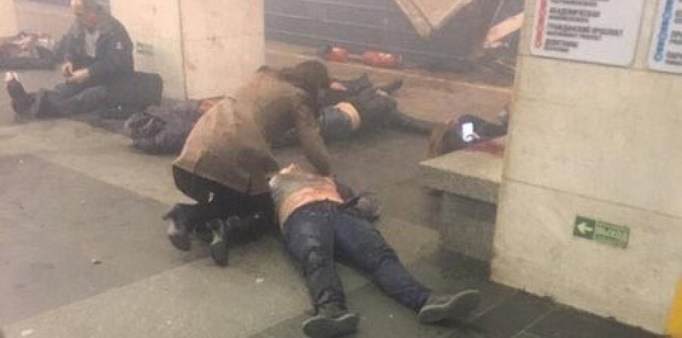 Autoridades rusas cierran el metro de San Petersburgo tras explosión