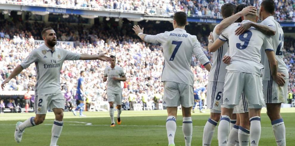 Real Madrid y Barcelona cumplen y siguen la batalla por el título