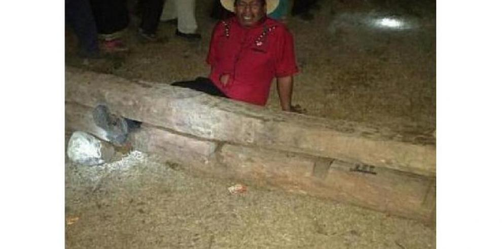 Varela condena castigo de cepo a líderes indígenas