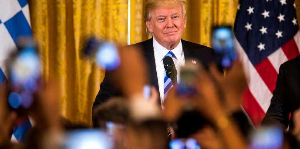 Republicanos de la Cámara baja cancelan el voto sobre ley de salud de Trump
