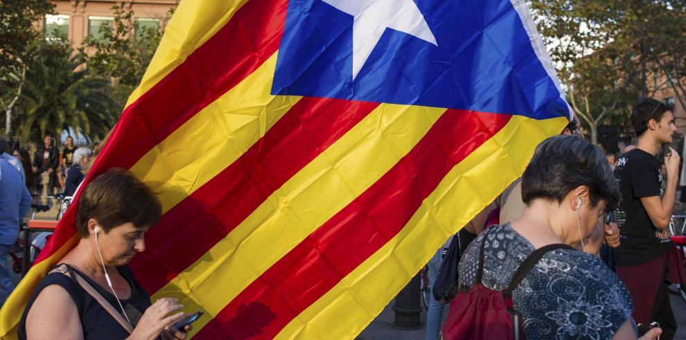 París considerará ilegal una independencia unilateral de Cataluña